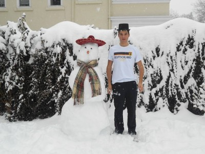 First snow days prove delightful and exciting for exchange student (photos and audio)
