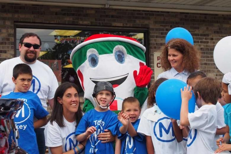 "Parade welcomes home ""Miracle Mikey"" (photo gallery and audio)"
