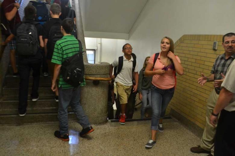 Teens prepare for upcoming school year (photo)