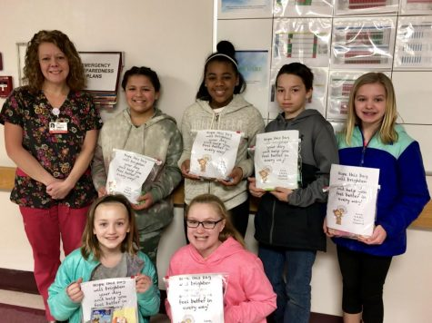 "Student Council delivers ""busy bags"" to hospital"