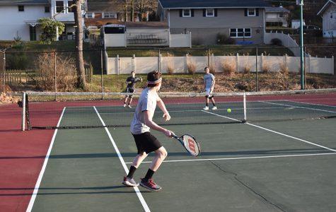 Boys' tennis team looks for a win