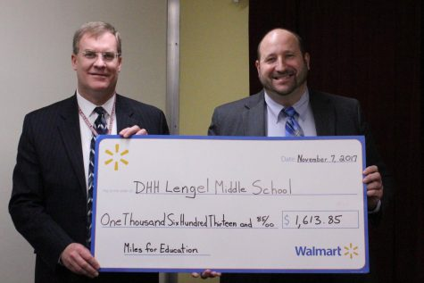 D.H.H. Lengel receives award from Walmart